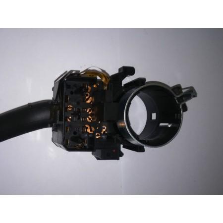 Przełącznik kierunkowskazów A2 A3 A6 TT 8L0953513J
