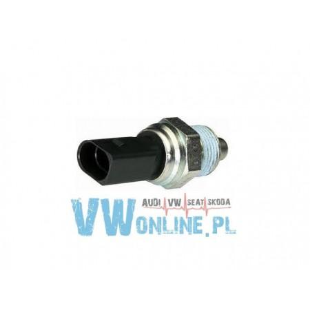 Włącznik światła cofania EPS 02K945415